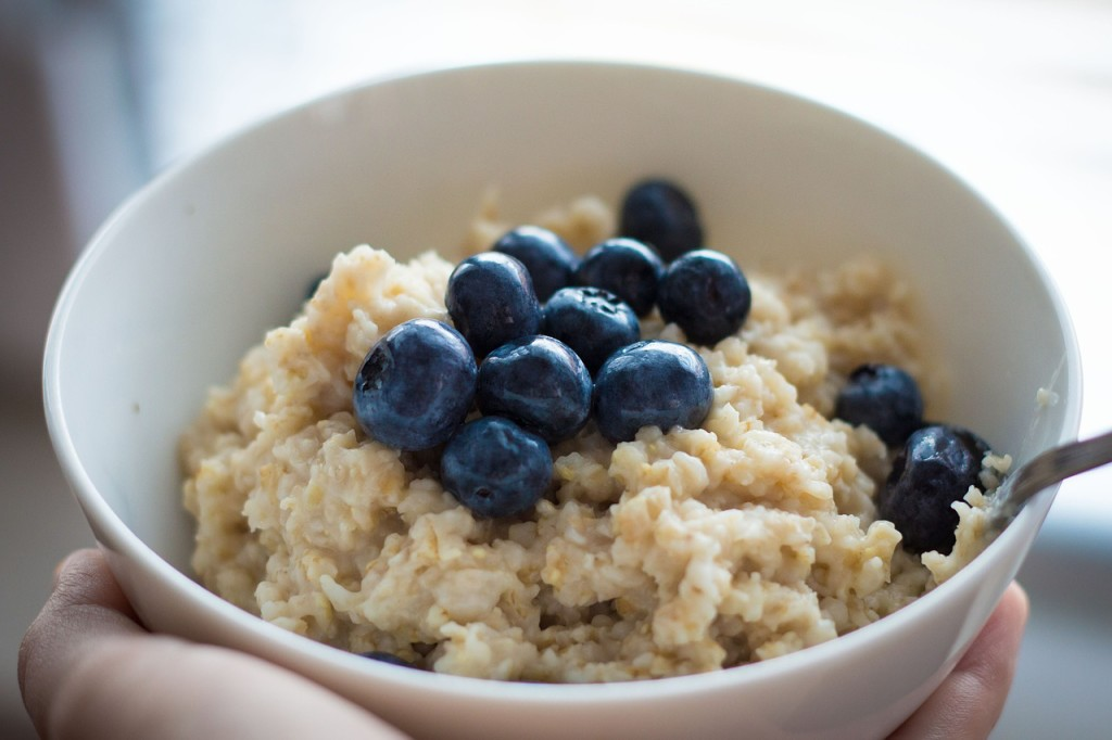 blueberries in oatmeal